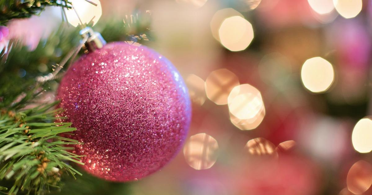 Regali di Natale ecosostenibili e fai da te per riscoprire il vero spirito natalizio.