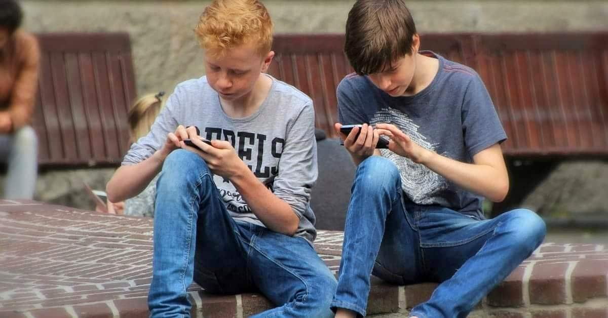 Dipendenza da smartphone e Social Network: cosa fare?